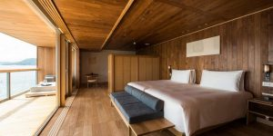 Японцы спустили на воду целый отель и обещают фантастический отдых